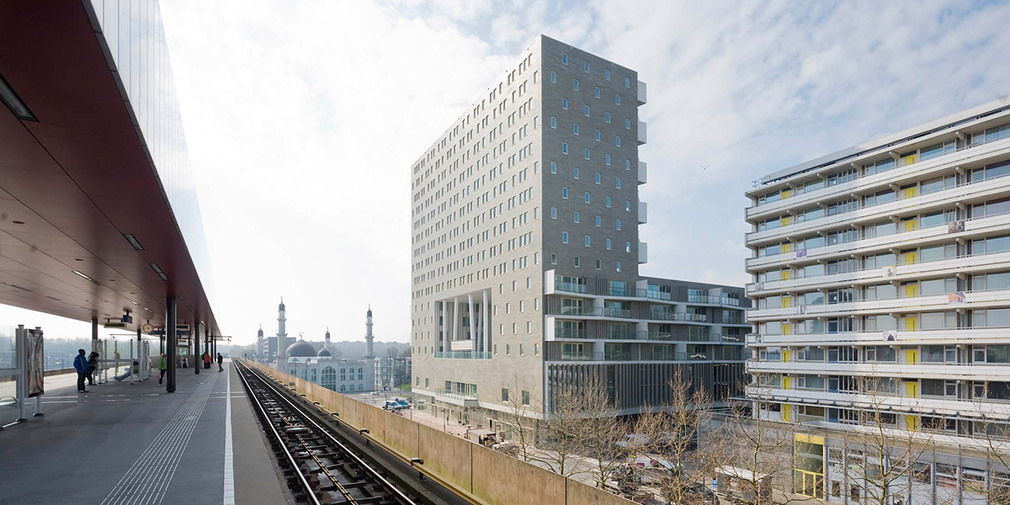 Nl architects completes de kameleon for Architecture firm amsterdam