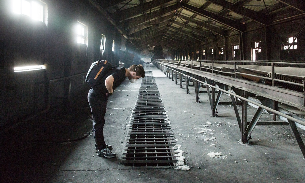 Urbexer Brendan Connal explores the Shougang Steel Plant on the outskirts of Beijjing, China. (Photo by James Wasserman for the Guardian