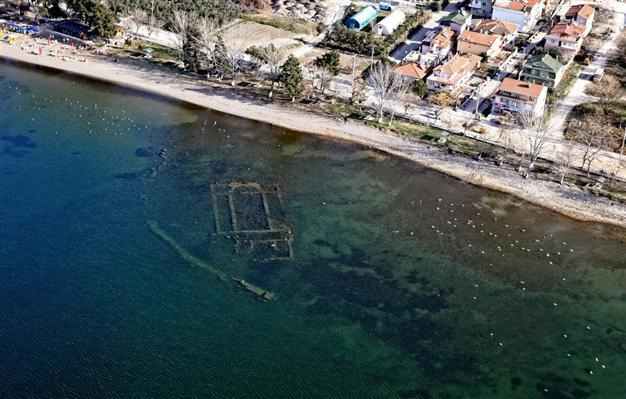 Named as one of top 10 discoveries of 2014 by the Archaeological Institute of America: the Byzantine-era basilica in a lake in Turkeys Bursa province. (Photo: DHA; Image via hurriyetdailynews.com)