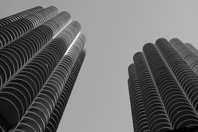 Things are lookin up for the preservation of Marina City. Photo: Chad K, via Flickr.