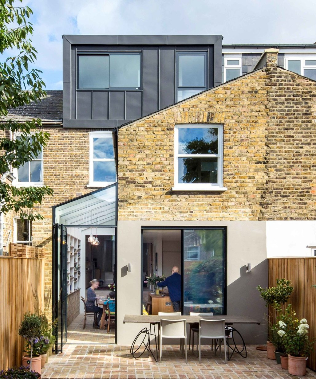 House in Hackney by Neil Dusheiko Architects. Photo credits: Tim Crocker and Agnes Sanvito.