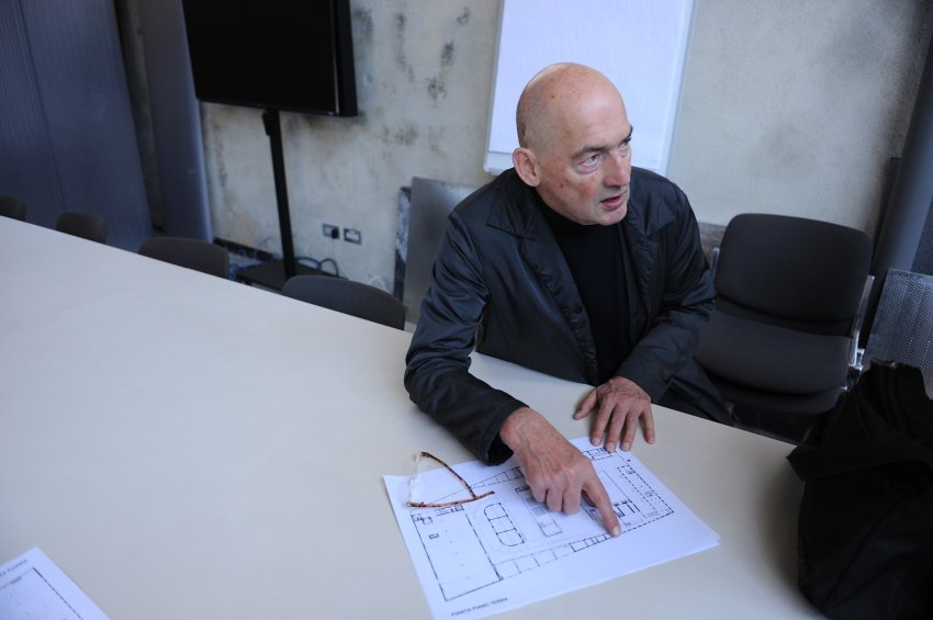 Photo: Charlie Koolhaas; Image via spiegel.de