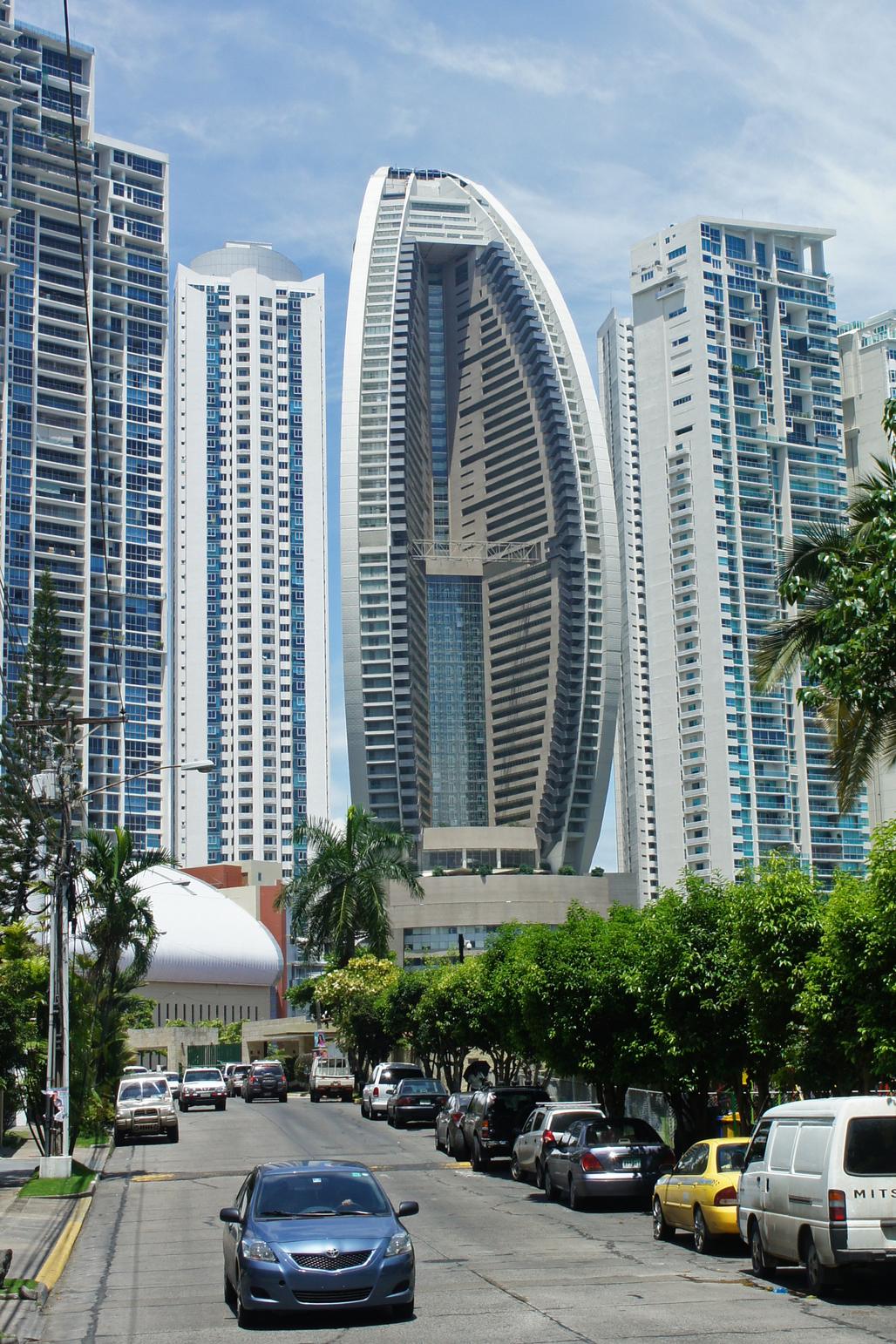 The Trump Ocean Tower in Panama. Image via wikimedia.org
