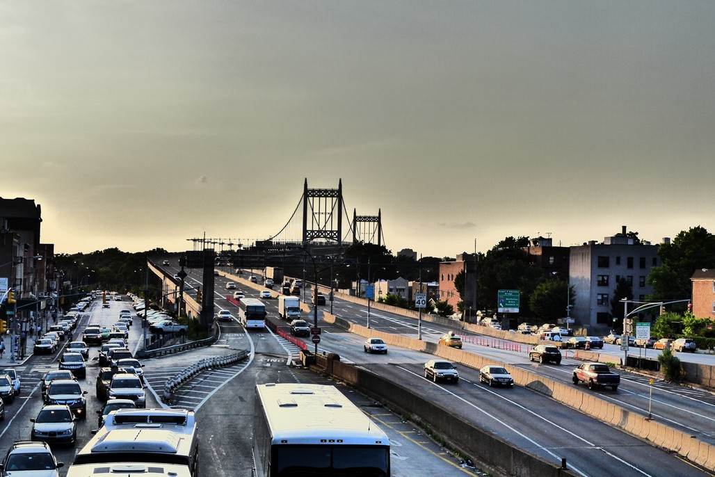 Evening rush on Robert F. Kennedy Triboro Bridge as seen from Astoria Blvd. BMT station, Astoria, Queens. Photo: Rich Mitchell.