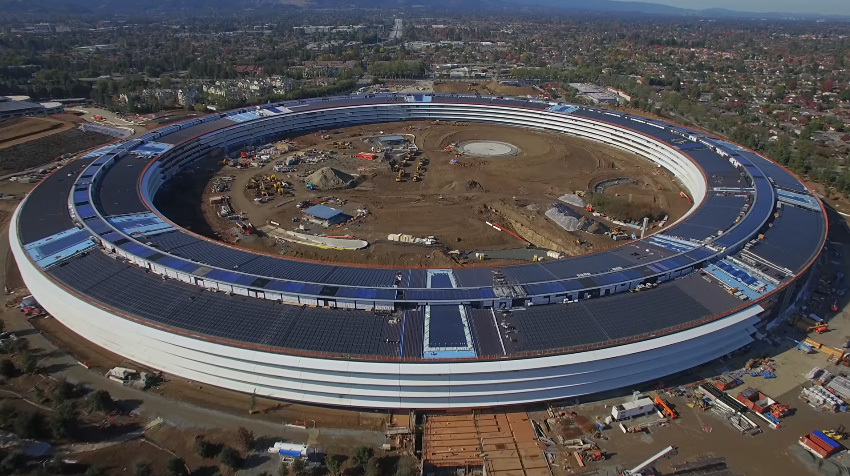 Still from the latest drone construction video of Apples Spaceship Campus in Cupertino. (Image: Matthew Roberts on YouTube)