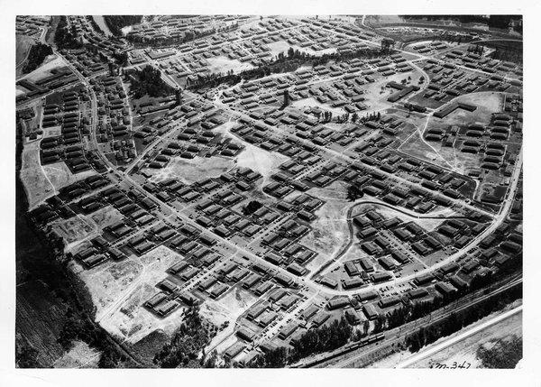 An aerial view of Vanport, Oregon. (Photo: Oregon Historical Society; Image via smithsonianmag.com)