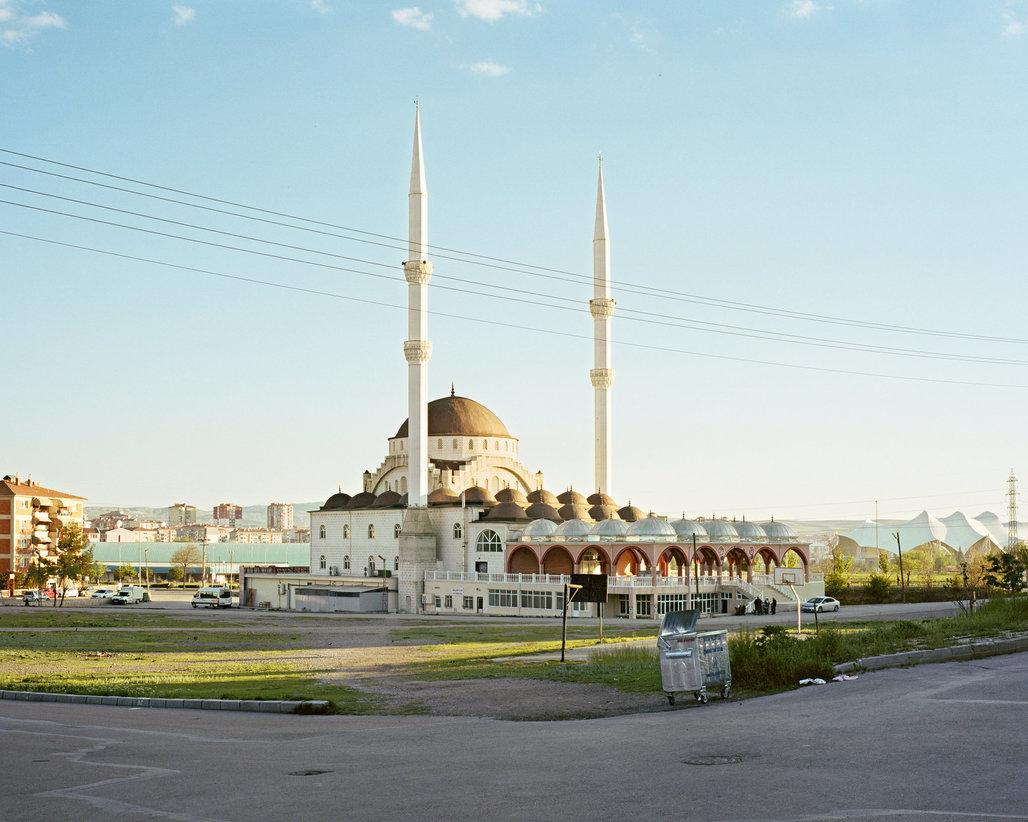Abdulkadir Geylani Mosque, Sincan, Ankara, photographed in 2016 by Norman Behrendt