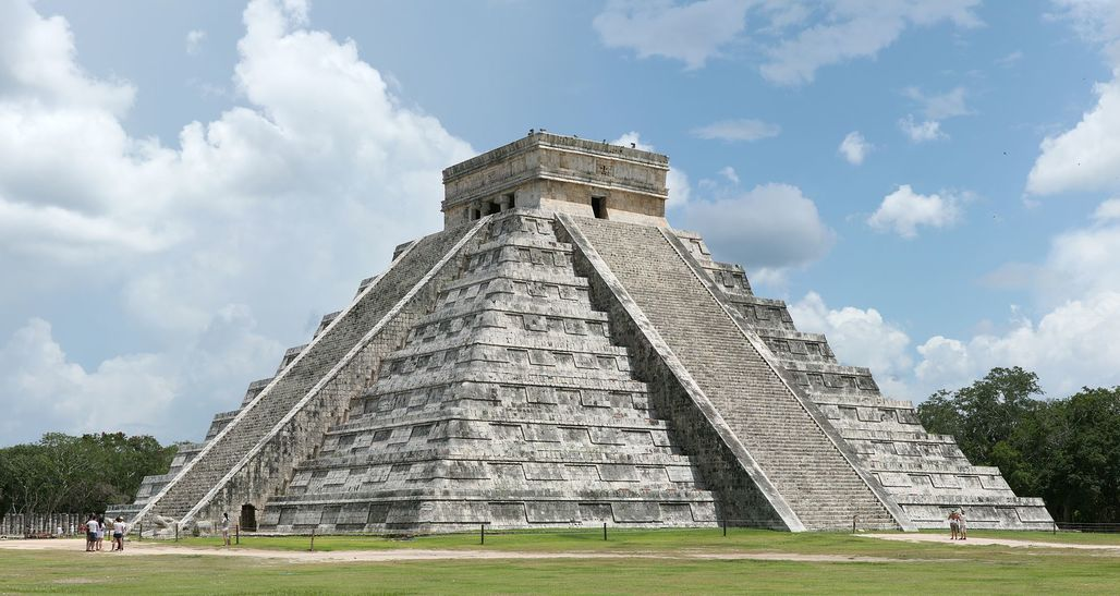 "Triple your pyramid: The multi-structured Kukulkan, or ""El Castilo,"" in Mexicos Chichen Itza. Image: Wikipedia"