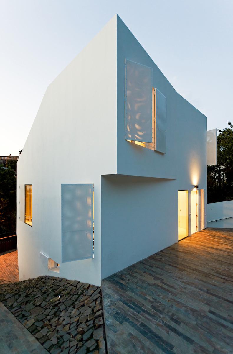 House in Vallvidrera, Barcelona, Spain by YLAB Arquitectos Barcelona; Photo: Marcela Grassi