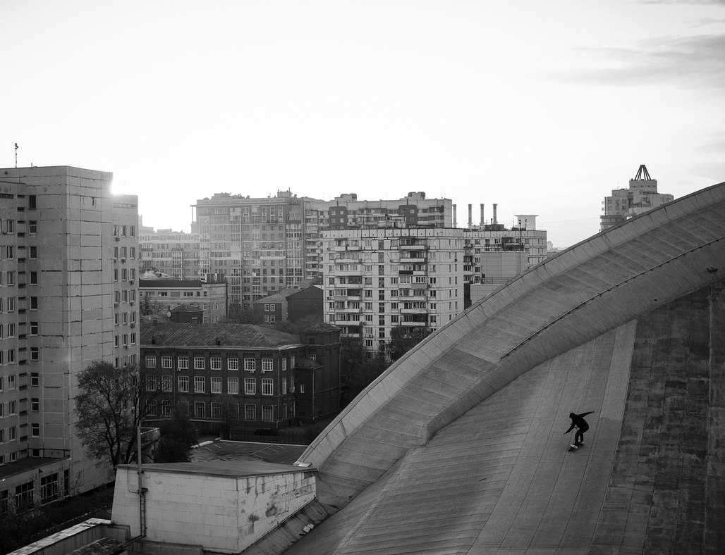As more and more once-public buildings in Moscow become privatized and increasingly off-limits, the citys youth reclaims the most exciting, hidden spaces. (Photo: Pasha Volkov; image via calvertjournal.com)
