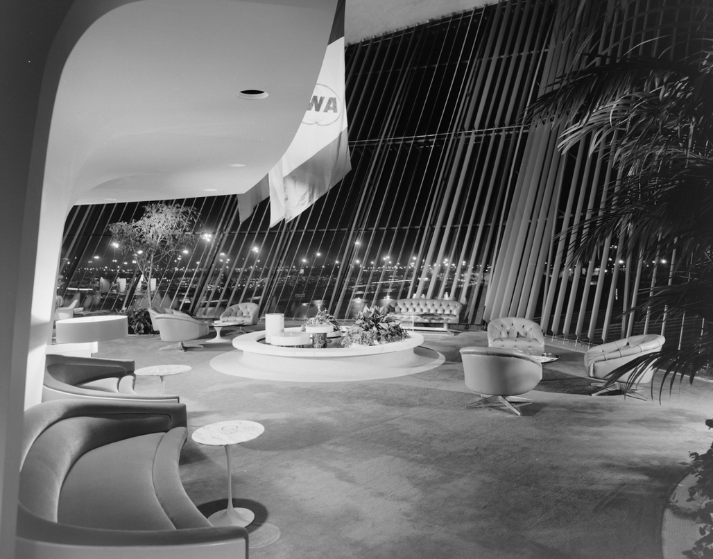 Inside Eero Saarinens TWA Flight Center. Photo by Ezra Stoller.