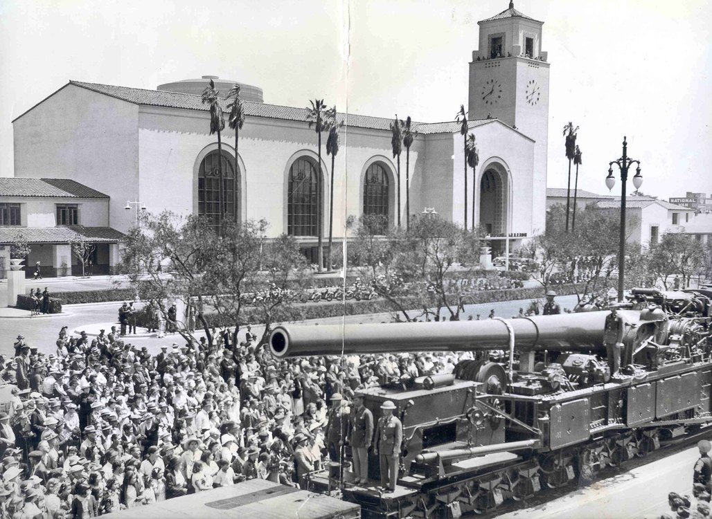 Union Stations opening. Image via the LA Times.