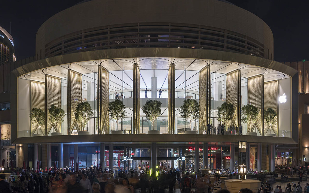 An Apple Store in Dubai. Courtesy of Foster + Partners