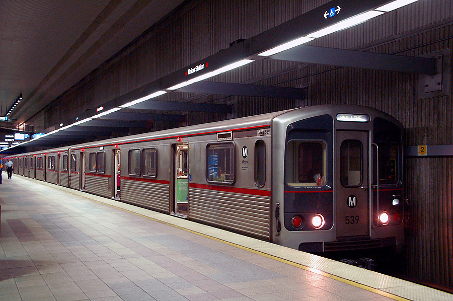 A red line train at LAs Union Station. Image via Wikipedia