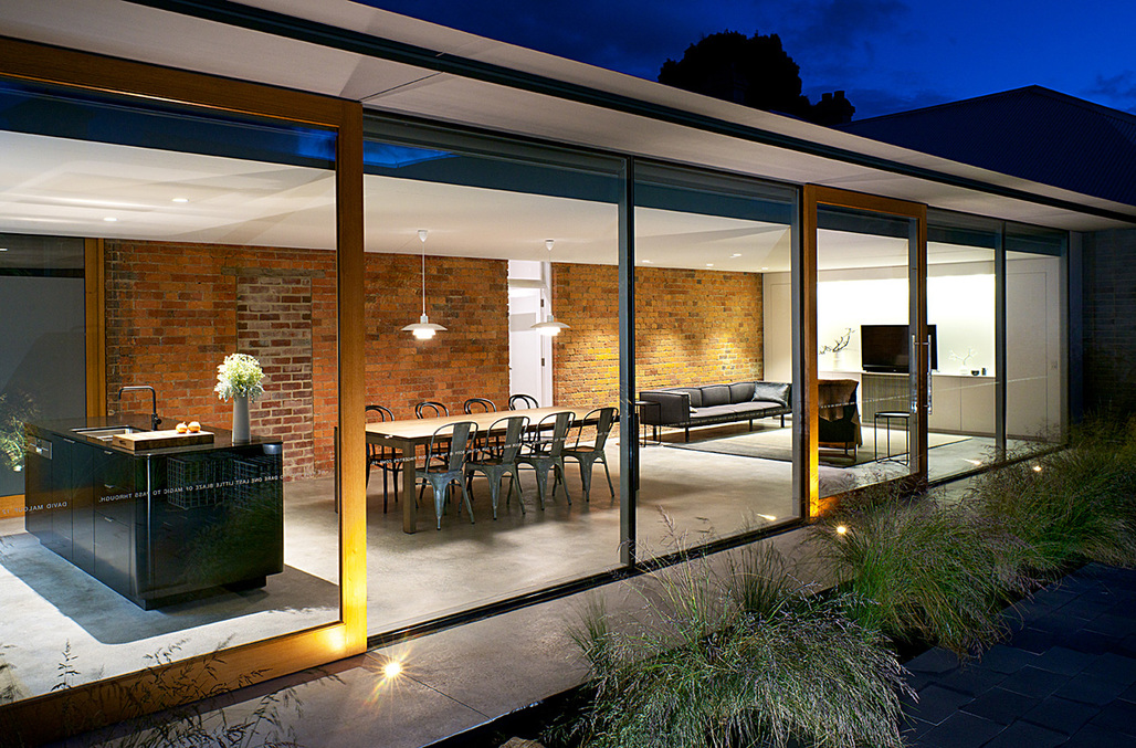 RESIDENTIAL - Houses (Alterations and Additions): The Eleanor Cullis-Hill Award – Jennys House (TAS) by Rosevear Stephenson. Photo: Ray Joyce.
