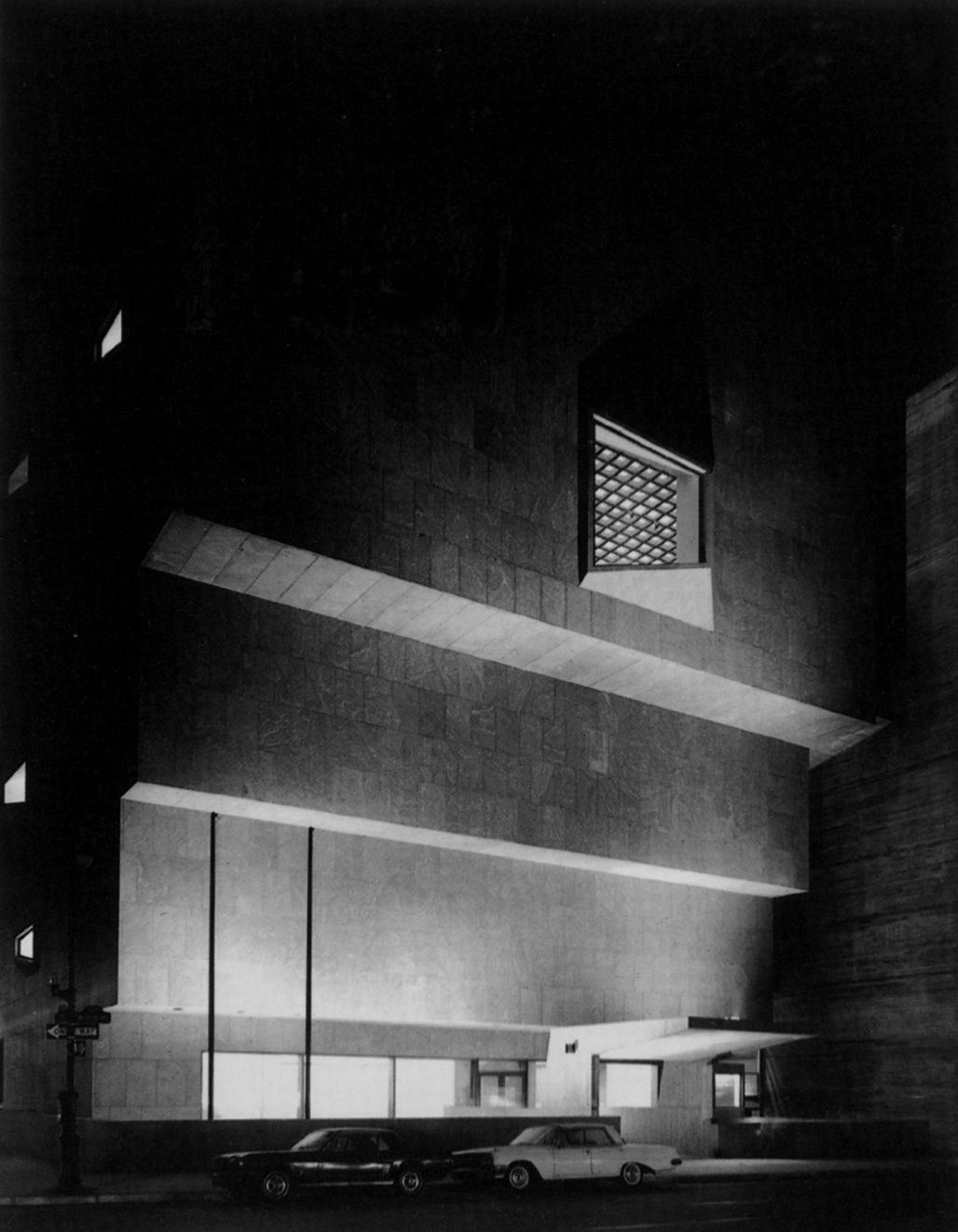 A photograph the Marcel Breuer designed Whitney Museum (now the Met Breuer). Image via The Columbia GSAPP Visual Resources Collection