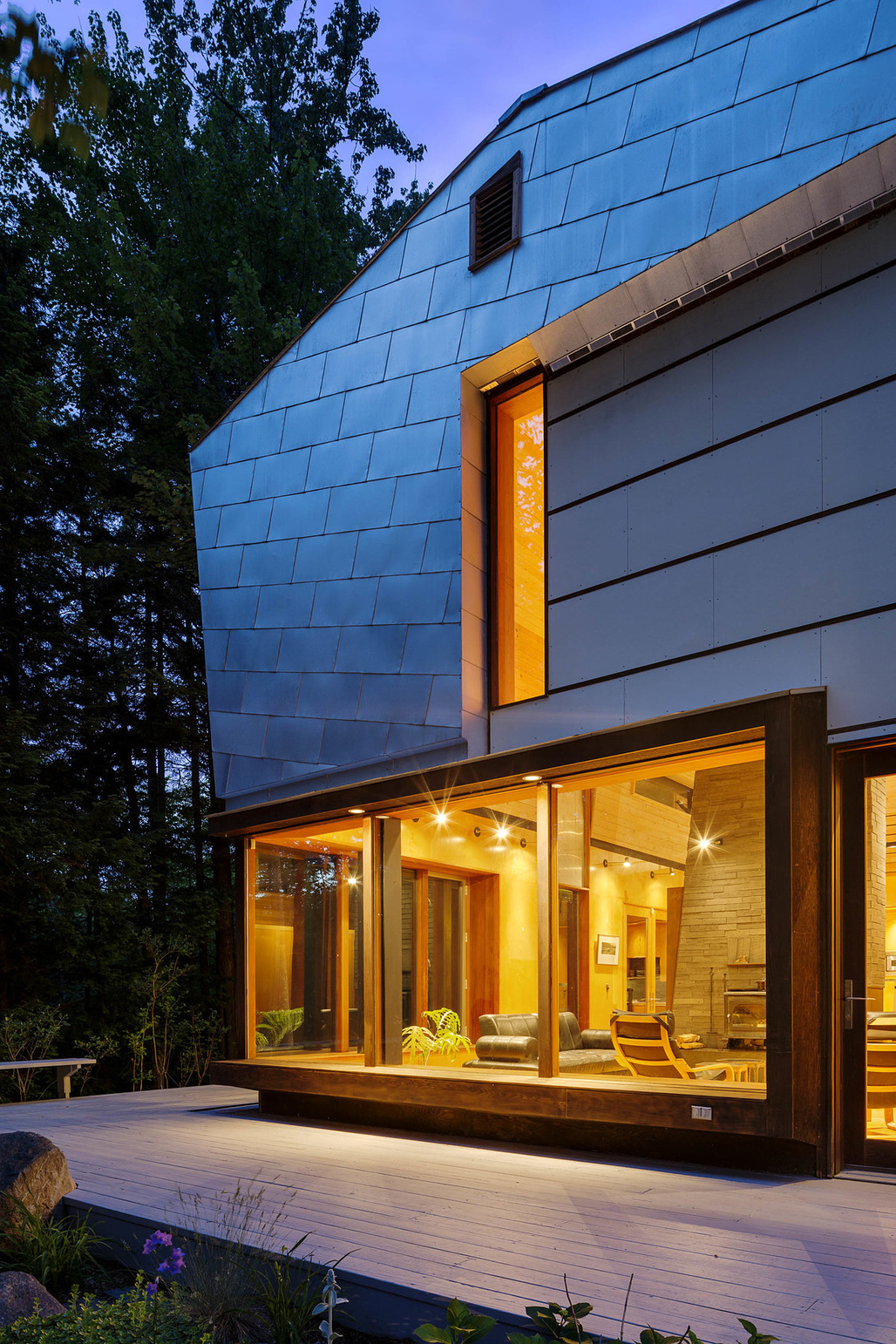 "<a href=""http://archinect.com/intersticearchitects/project/mountain-house"">MOUNTAIN:house</a> in Barlett, NH by <a href=""http://archinect.com/intersticearchitects"">INTERSTICE Architects</a>; Photo: Greg Pemru"