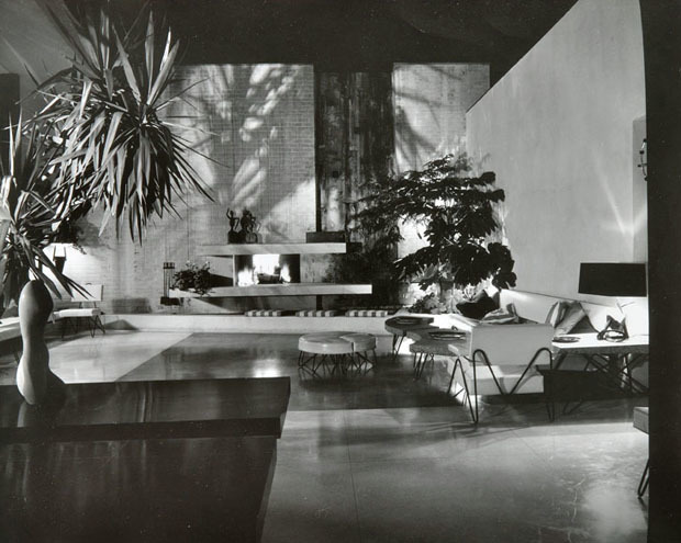 The Brody House, A. Quincy Jones, c. 1950. Photo by Julius Shulman