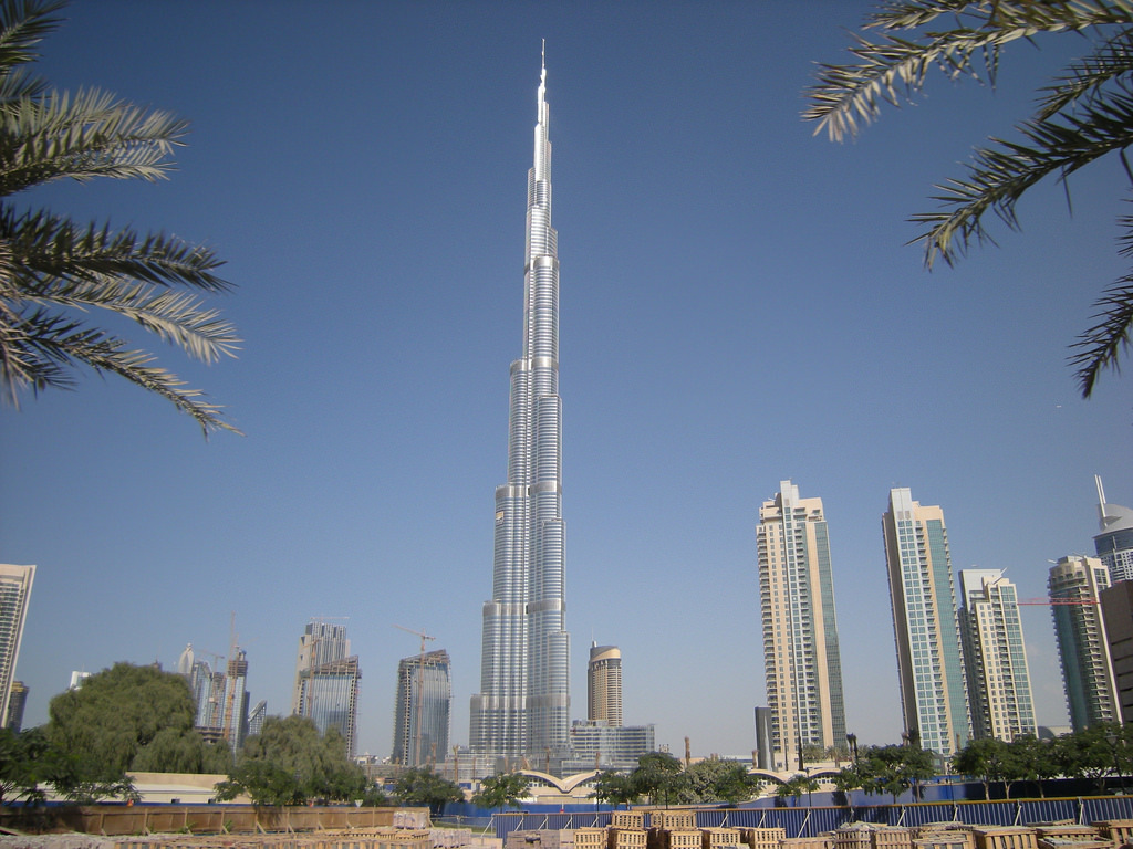 Dubais skyline might be backgrounded by a mountain in the future. Image credit: Leandros World Tour via Pixabay