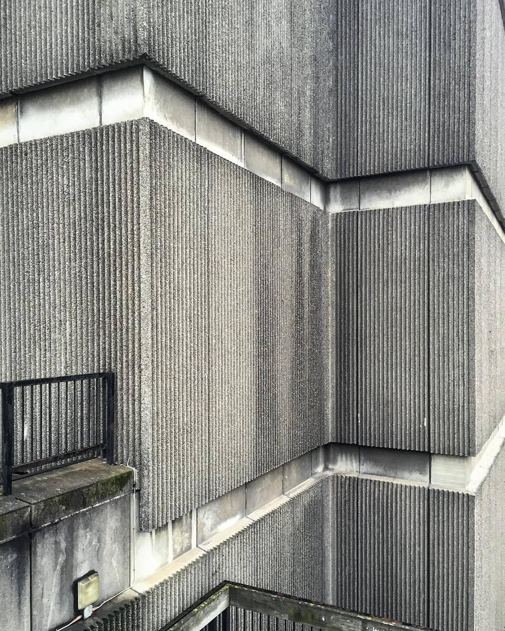 Béton brut at St. James Centre in Edinburgh. Image via @hckbln on Instagram.
