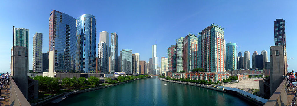 """Chicagos apartment building boom has yet to experience """"top-shelf architecture"""", says Tribune architecture critic Blair Kamin. (Image via Wikipedia)"""