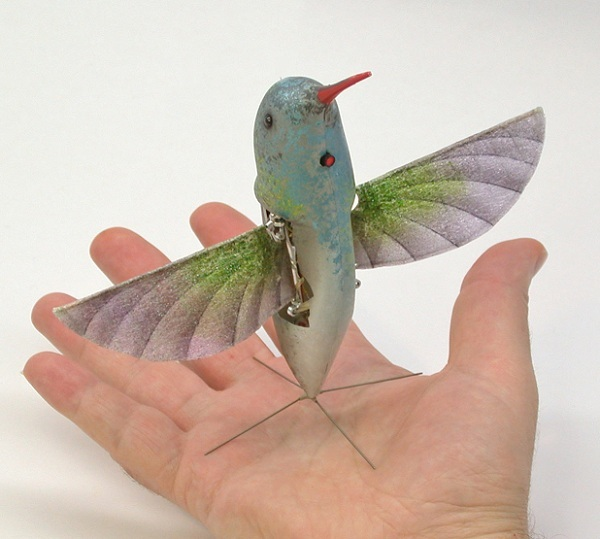 DARPAs hummingbird-inspired drone carries a video camera and can be used for surveillance purposes. Via: DARPA / Wikipedia