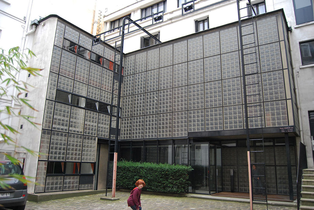 The Maison de Verre in Paris. Image via wikimedia.org