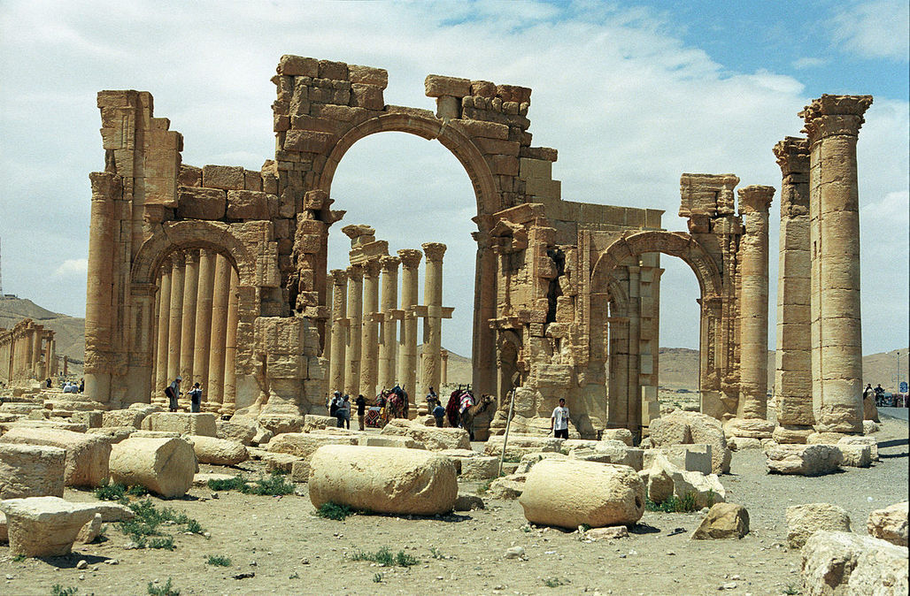 Officials confirmed the destruction of the Arch of Triumph, the central element of Palmyras Grande Colonnade Street. (Photo: Jerzy Strzelecki; Image via Wikipedia)