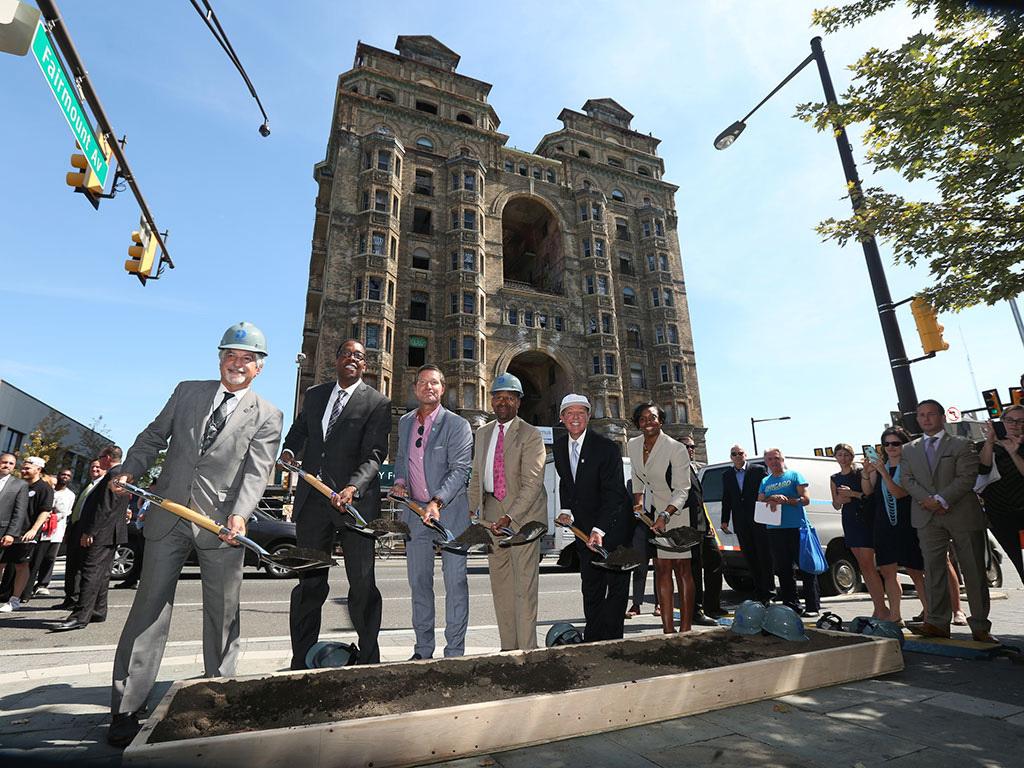 Alan Greenberger, the 2017 Thomas Jefferson Award recipient, on the far left. Photo courtesy AIA.