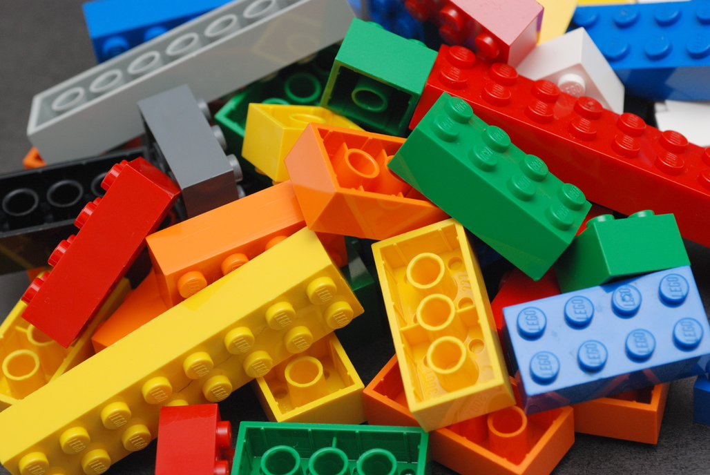 Lego is investing heavily in finding a replacement to oil-based plastics for their iconic childrens toy. Credit: Wikipedia