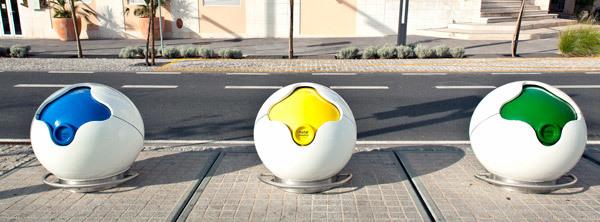 Winner of the Iberian Urban Equipment Prize - Larus /Architectures (Category: Urban Furniture): PACMAN recycling container by AND-RÉ (Image: AND-RÉ)