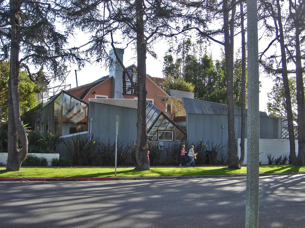 Frank Gehrys house, image via Wikipedia.