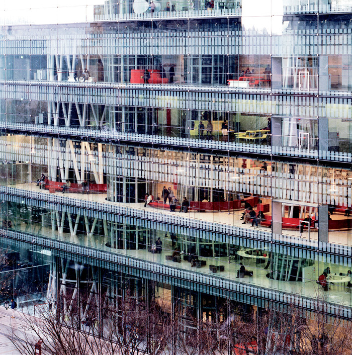 Toyo Ito & Associates, Sendai Mediatheque, 2001, Sendai, Miyagi, Japan. Photo: Tomio Ohashi.