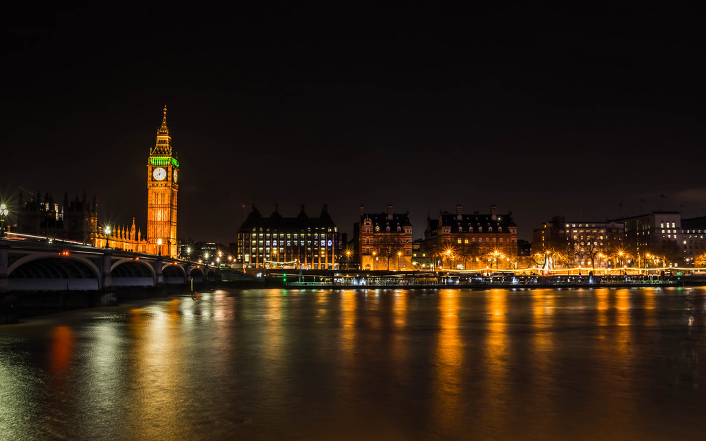 Its not dark yet, but its getting there: London at night. Image: Ben Cremin via Flickr