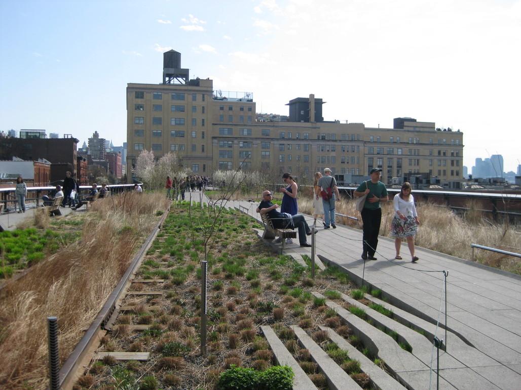 The Highline, via wikimedia.org.