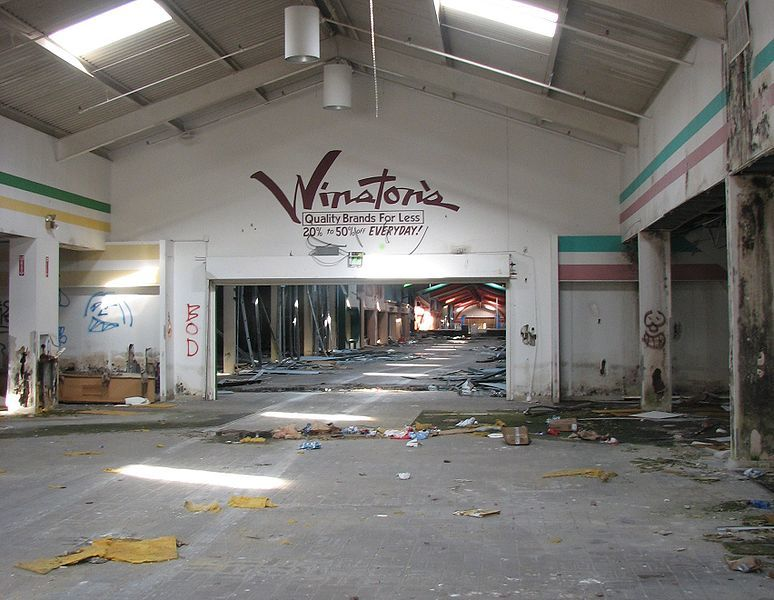 Belz Factory Outlet Mall, an abandoned shopping mall in Allen, Texas, United States via Wikimedia Commons.