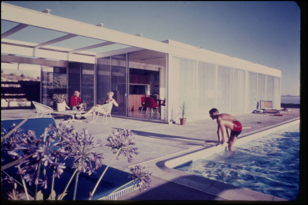 Oberman Residence in Rancho Palos Verdes by Pierre Koenig, from Pierre Koenigs collection. Image via digitallibrary.usc.edu.