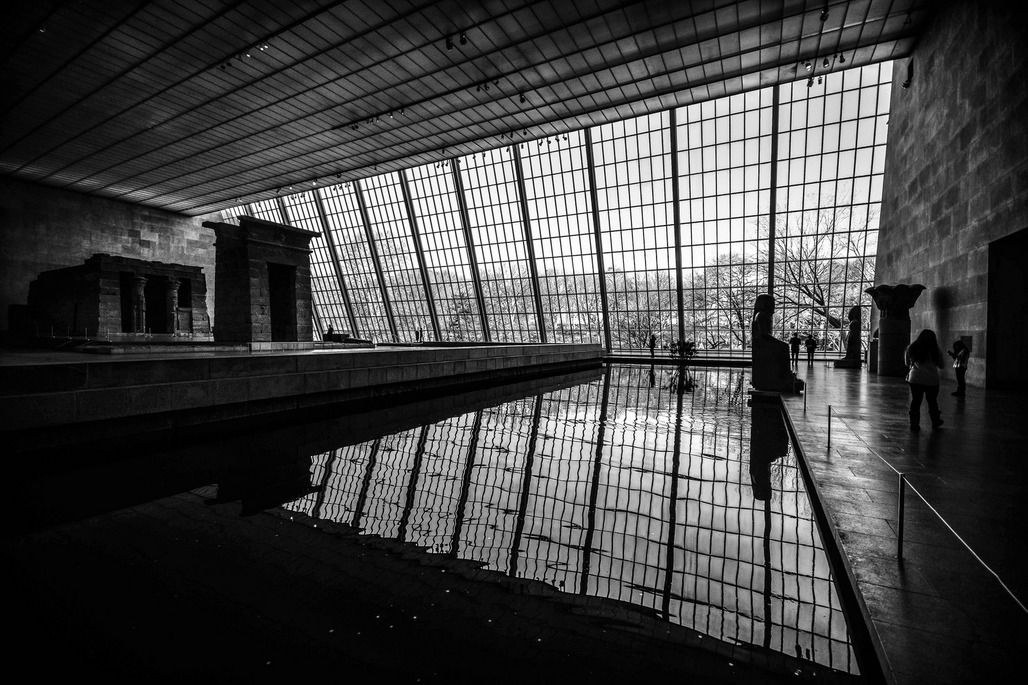 "The Temple of Dendur at The Metropolitan Museum of Art. Photo: Marcela McGreal/<a href=""https://www.flickr.com/photos/marcelamcgreal/24847470589""target=""_blank"">Flickr</a>."