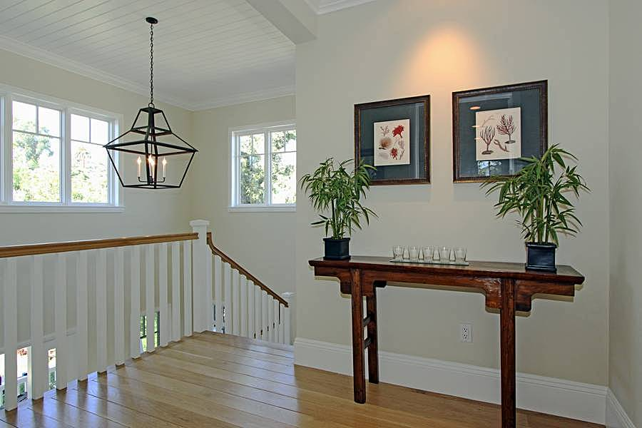 Gallery/Stair