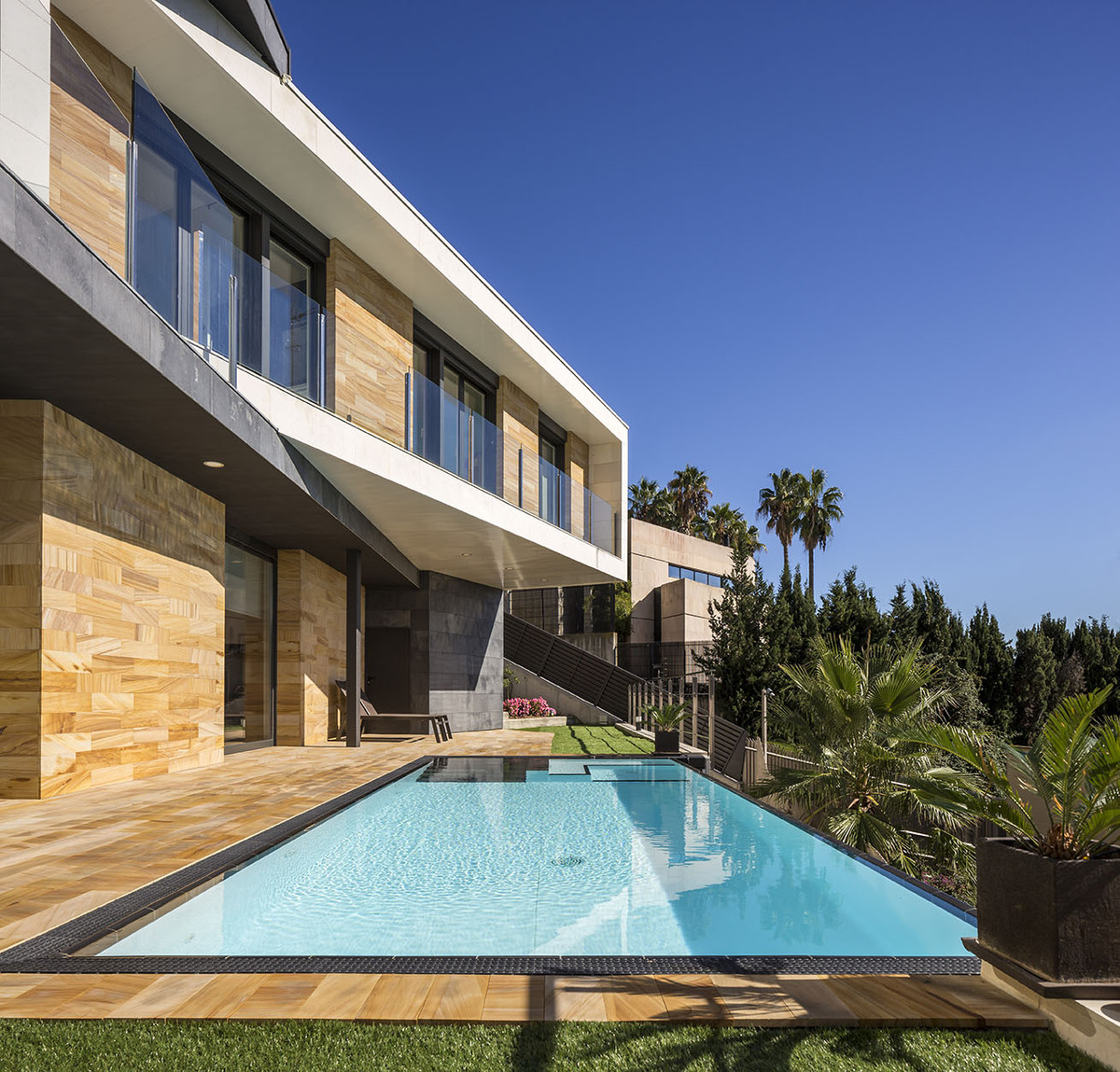 Pool terrace - E House