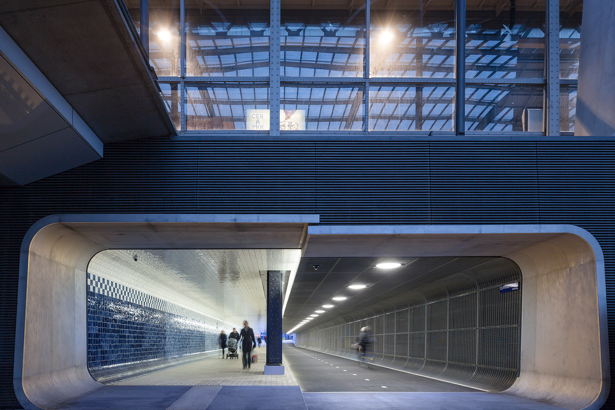 Benthem Crouwel Architects have collaborated with Irma Boom Office and ceramic company Royal Tichelaar Makkum to construct Amsterdam Central Station's Cuyperspassage