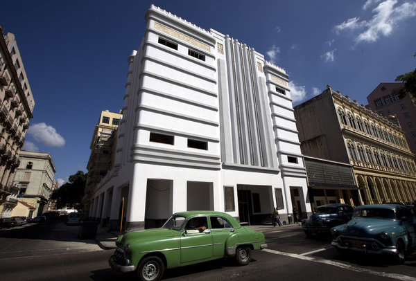 1938 Teatro Fausto in Old Havana, by the architect Saturino Parajon - Jose Goitia for The New York Times