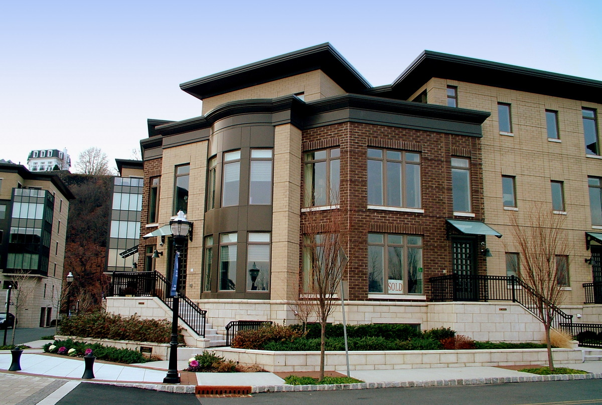 CORNER VIEW OF TYPICAL TOWNHOUSE CLUSTER