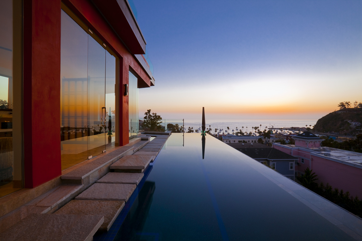 Second Story Infinity Pool