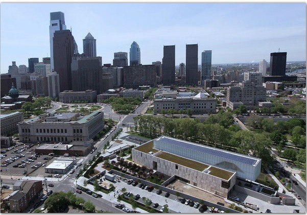 The new Barnes Foundation and its home on the Ben Franklin Parkway (MICHAEL BRYANT : Staff Photographer )