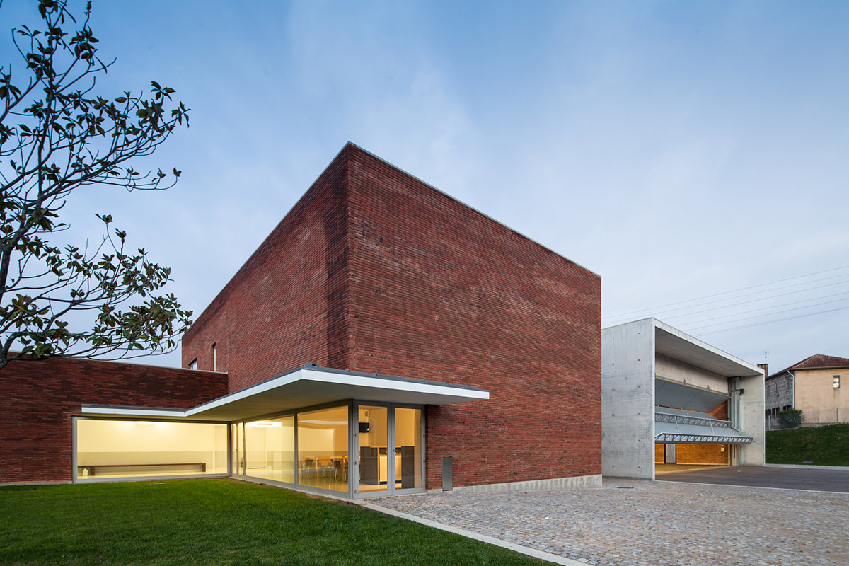 The fire station in Santo Tirso, Portugal opened on January 13, 2013 and is the first fire station designed by Pritzker Prize winner Álvaro Siza Veira. (Photo: Joao Morgado – Architecture Photography)