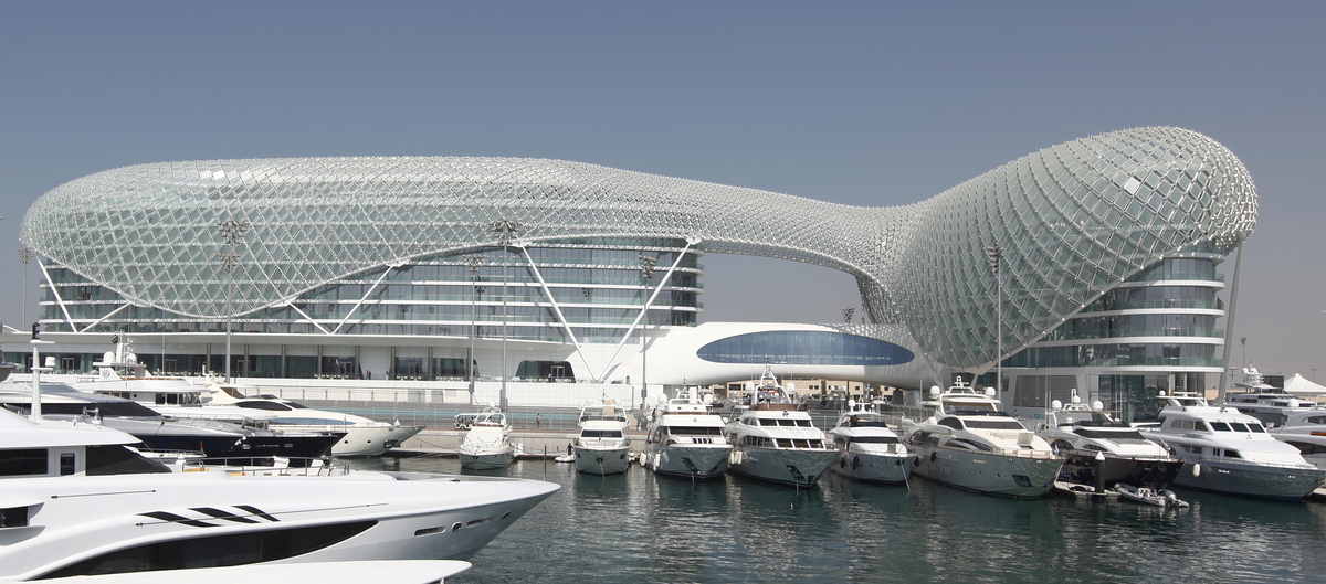 Yas viceroy hotel asymptote architecture archinect for Asymptote architecture yas hotel