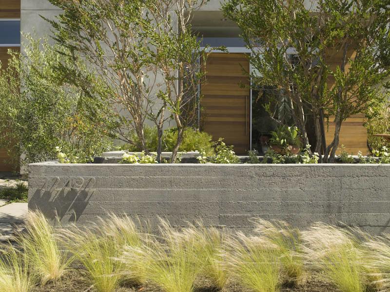 Inside-Out House in Marina del Rey, CA by glynn designbuild
