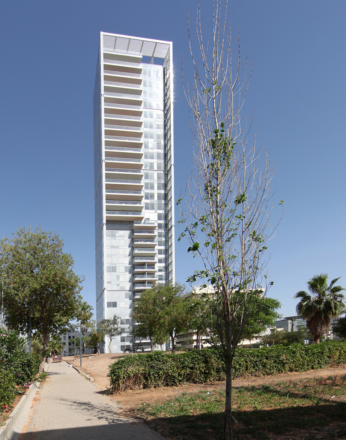 Finalist - Middle East and Africa: 6 Remez Tower, Tel Aviv, Israel by Moshe Zur Architects and Town Planners © Moshe Zur Architects
