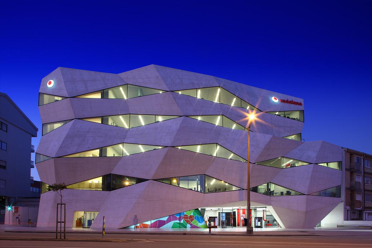 Vodafone Headquarters, Porto, Portugal, Architect: Barbosa e Guimarães Arquitectos © Nico Marques/Photekt